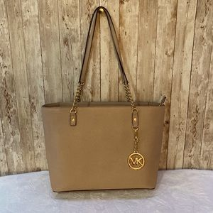 MICHAEL KORS TAUPE & GOLD LEATHER SHOULDER TOTE